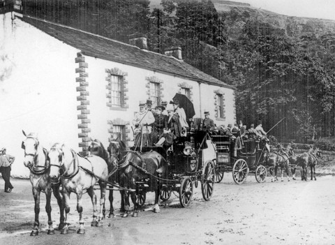 Coaches at the Snake Inn, 1890