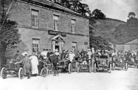 Sheffield Motor Club at Ashopton Inn, 1905