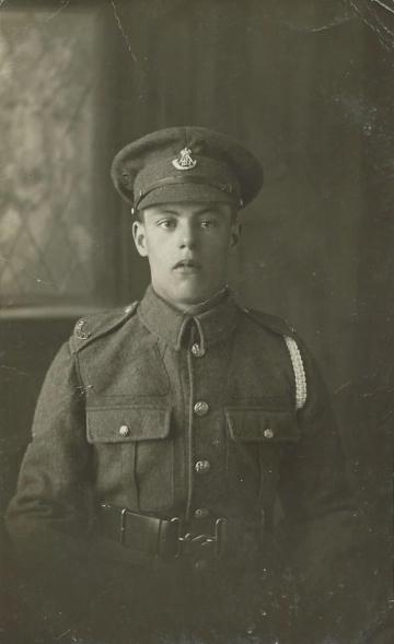 Unknown soldier (photo 4)