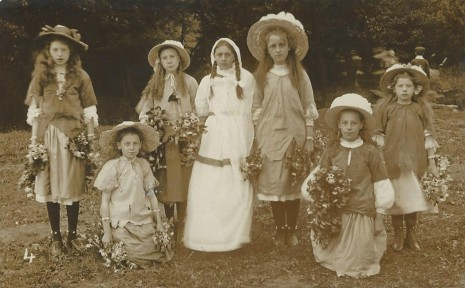 King Ecgbert Pageant, July 1909. Lady Elfrida and the Morris-dancers