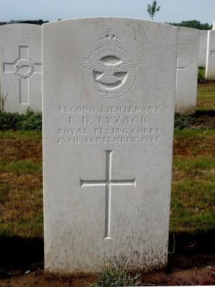 Eric Delaney Tyzack's grave, Pont-du-Hem Military Cemetery, La Gorgue, France