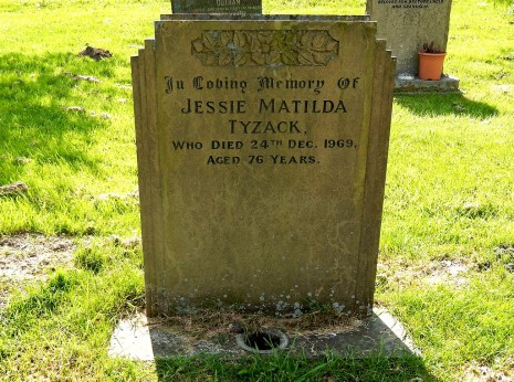 Grave of Jessie Matlida Tyzack (1896-1969), St. Swithin's Churchyard, Holmesfield