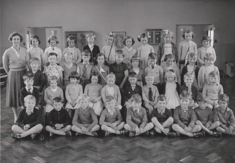 Totley Totley County School, circa 1960. Teacher: Miss Redmayne (?)
