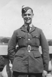 Flight Officer Walter Patterson Angus in 1940
