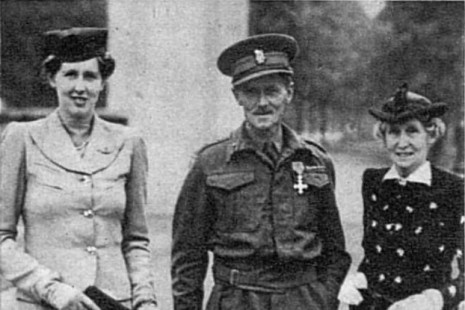 George Sherriff Hussey with his wife and daughter, 1941