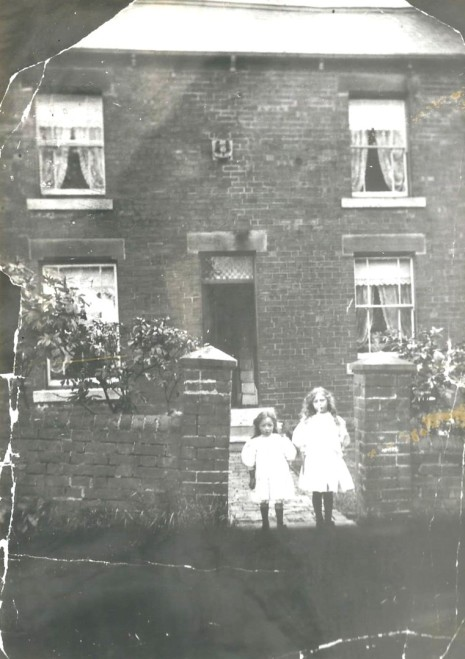 Glover House, circa 1910 with Ida and Doris Bradbury